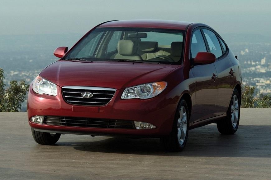Hyundai Elantra авто, заслужившее любовь многих автолюбителей