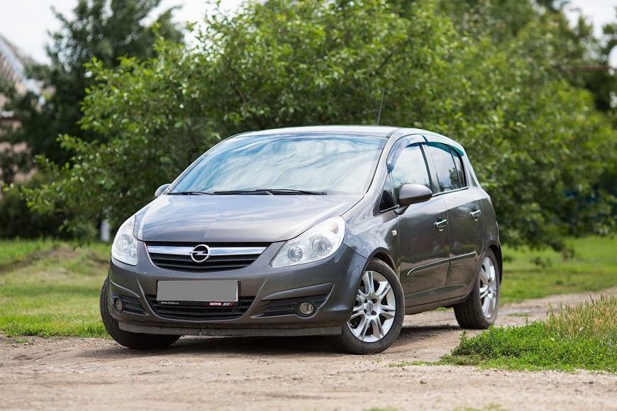 Opel Corsa вместительный автомобиль